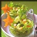 Салат с карамболой и авокадо